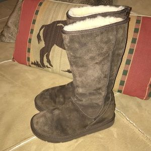 """db753b7f6f7 65% off UGG Shoes - Ugg Rain Boot """"Size 5"""" Only ...FIRM...FIRM ..."""